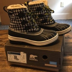 Sorel Tivoli Black/White Waterproof Boots W's 6